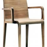 Young 425  El sillón Young mantiene la misma elegancia y ligereza de la silla