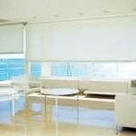 La cortina enrollable puede cubrir superficies de hasta 63m2 en doble caida.