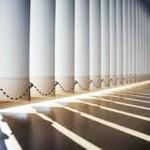 El ámplio giro de las lamas, hasta 180º, permite controlar la entrada de la luz.